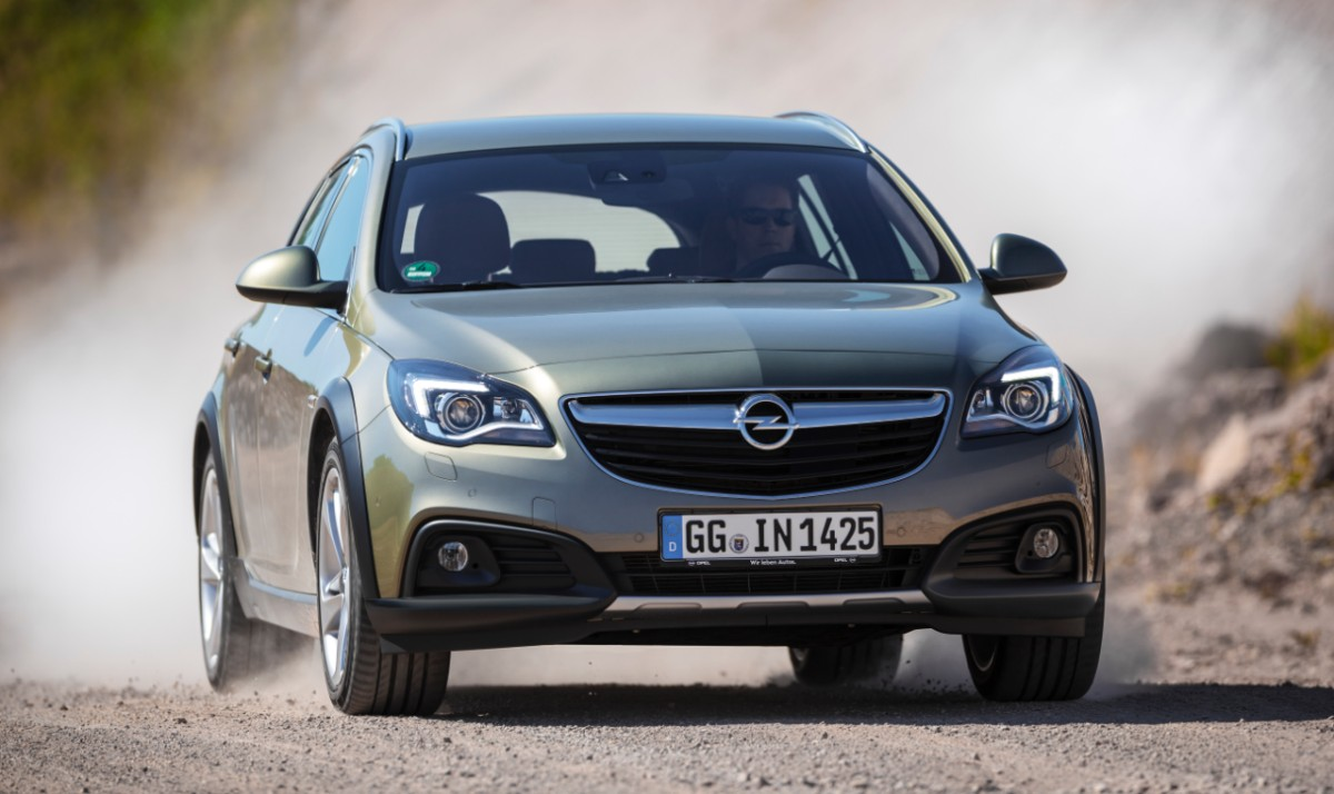 Opel-Insignia-Country-Tourer-287545-medium