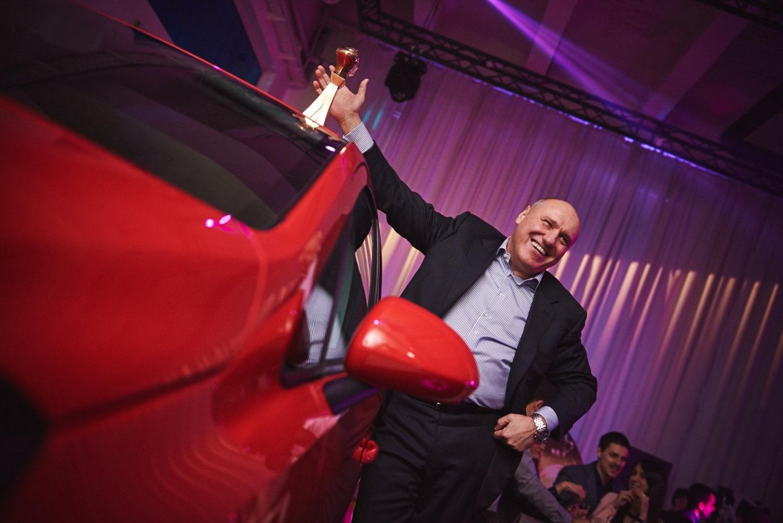 Dragan Nenadovic, Corsa i statueta Automobila godine