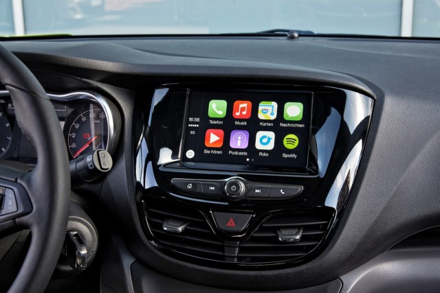 Apple Car Play-Android Auto-2