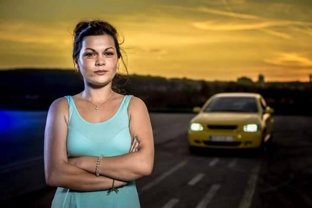 Yellow Astra Bertone – Jelena Jelić